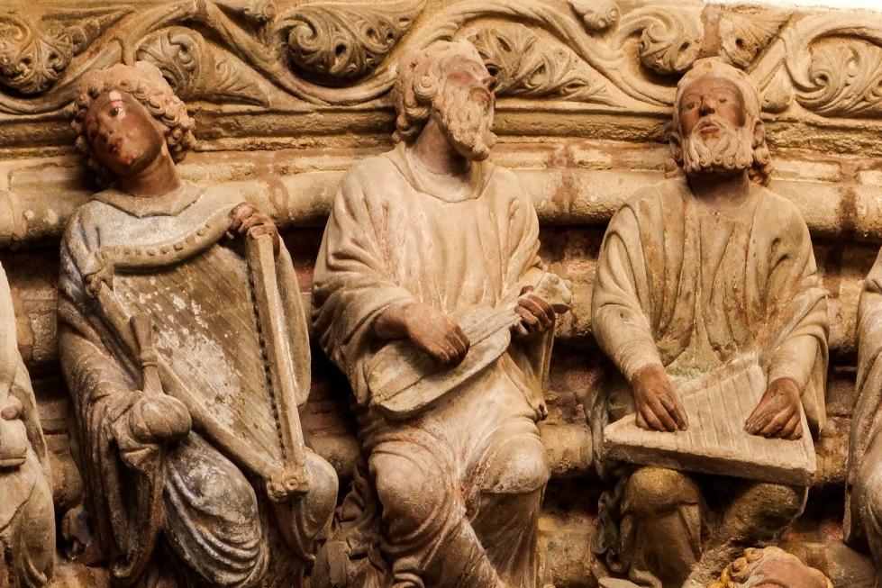 Musicians in the Pôrtico de la Gloria (12th century), cathedral of Santiago de Compostela