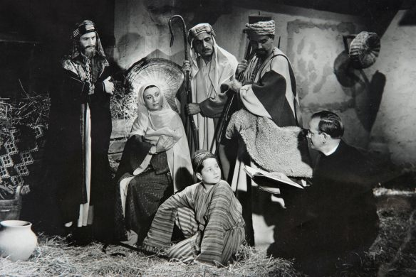 Cathedral Films producer James K. Friedrich on the set of Child of Bethlehem (1940)