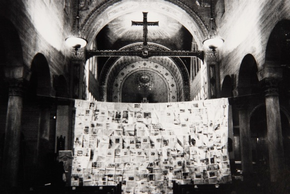 Advent installation by Jim Friedrich at St. John's Episcopal Church, Los Angeles (1977)
