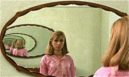Emilie/Pauline (Bulle Ogier) in Jacques Rivette's Out 1 (1971)